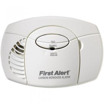 First Alert CO400 Carbon Monoxide Alarm Battery-Powered - No Digital Display (FATCO400)
